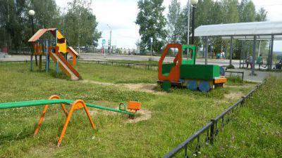 Детская площадка в Эжвинском районе заиграла яркими красками