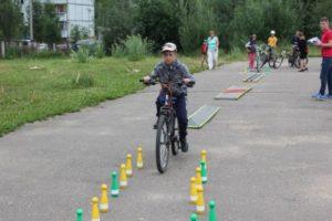 В Сыктывкаре прошел детский конкурс по знанию дорожных знаков и фигурному вождению велосипеда