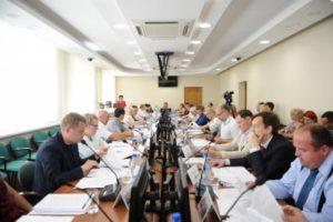 Глава Сыктывкара Валерий Козлов выступил с отчетом о деятельности Совета