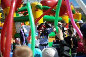 Сыктывкарские единороссы дают старт летнему проекту «Праздник детства»