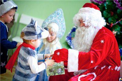 Депутаты-единороссы подарят новогоднее представление детям из детских домов и социально незащищенных семей