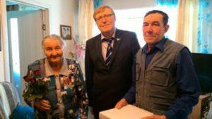 Ветеранам Великой Отечественной Войны вручили праздничные  медали «70 лет Победы».