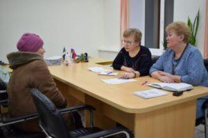 Жители Верхней Максаковки задали свои вопросы депутату Совета Сыктывкара Ольге Есевой