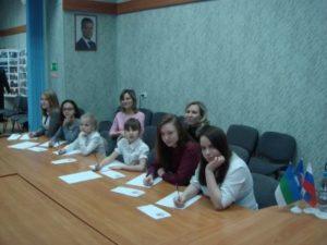 Депутаты города помогли детям, попавшим в трудную жизненную ситуацию, написать письмо самому дорогому человеку