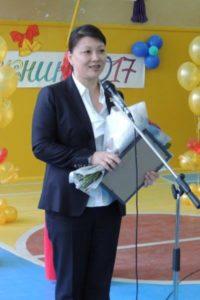 Депутаты поздравили выпускников с окончанием школы