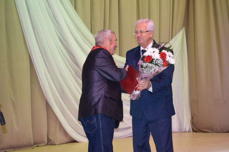 Старшее поколение Сыктывкара принимает поздравления с международным праздником