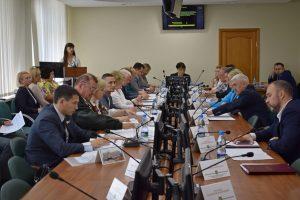 Совет Сыктывкара провел первую после летних каникул сессию
