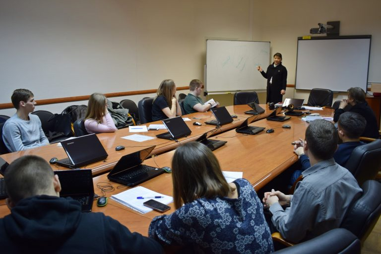 Анна Дю поделилась успешными практиками с будущими управленцами