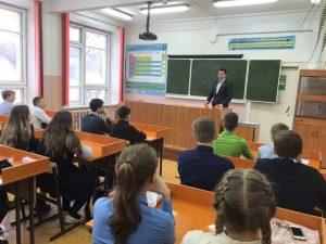 Депутаты Сыктывкара провели открытые уроки в школах