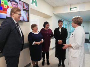 Депутаты Совета Сыктывкара посетили обновлённую Эжвинскую поликлинику