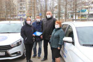 Волонтеры Коми передали автомобили «Лада Веста» в две поликлиники