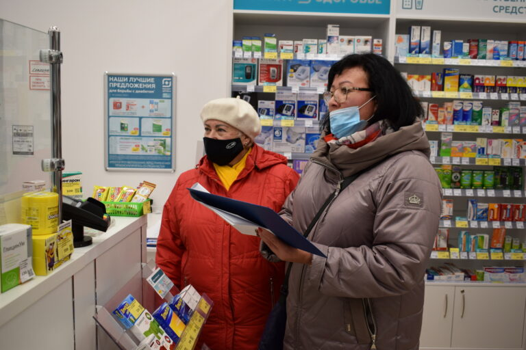 Депутаты проверили аптеки на наличие лекарственных средств