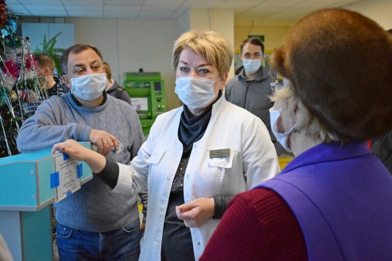 Депутаты Совета Сыктывкара оказали волонтёрскую помощь Эжвинской поликлинике