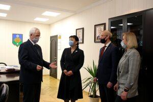 Анна Дю поздравила Почётного гражданина Сыктывкара Владимира Пыстина с юбилеем