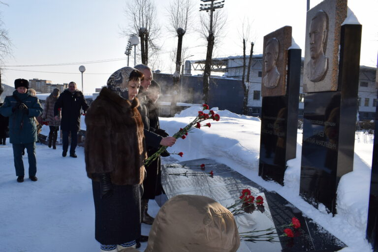 В Сыктывкаре почтили память воинов-интернационалистов