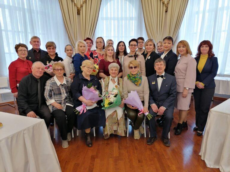 Семейные трудовые династии Сыктывкара продолжают передавать бесценный опыт молодым поколениям