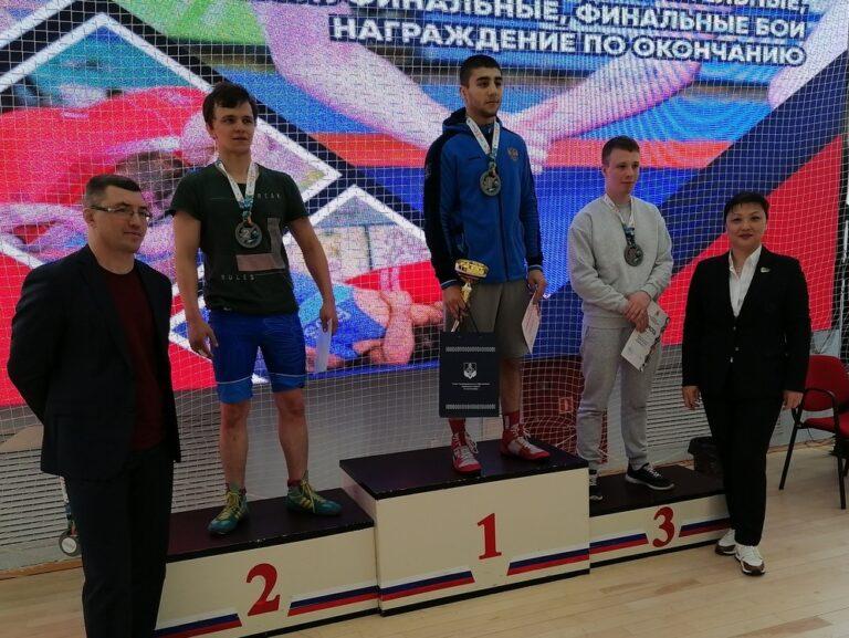 Вольники Северо-Запада встретились на турнирном ковре в Сыктывкаре