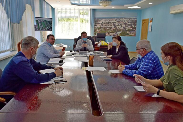 В Сыктывкаре обсудили варианты обустройства дворовой территории по ул. Димитрова, 48