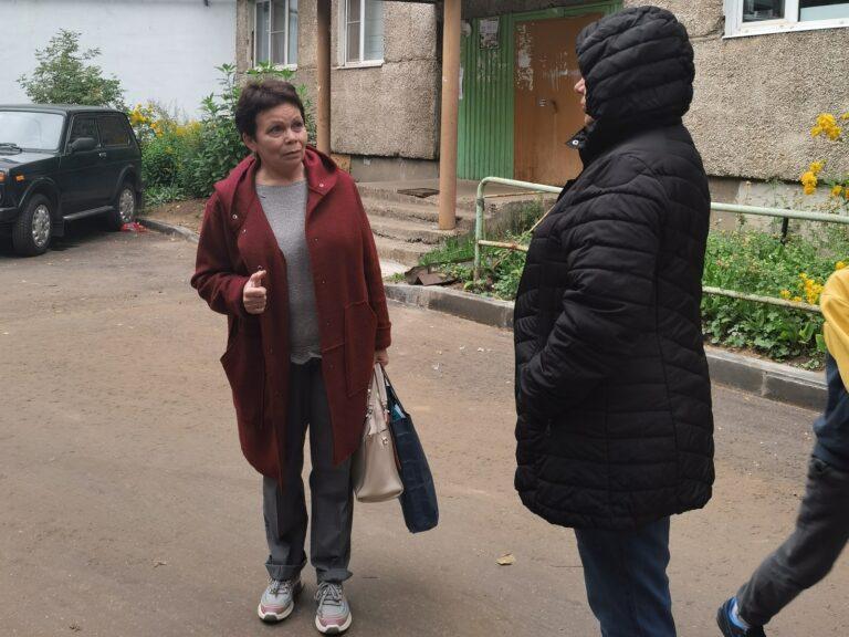 Депутат Валентина Братусь проконтролировала ход ремонтных работ во дворе по ул. Первомайская