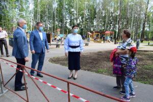 Новая игровая площадка в сыктывкарском Строителе стала популярной, едва открывшись