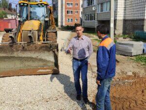 Продолжается благоустройство дворовых территорий в районе домов NN 180-184-186 по ул. Тентюковская