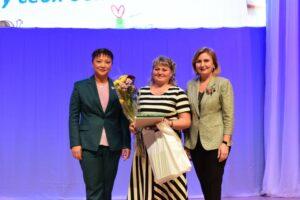 Работники отрасли дошкольного образования принимают поздравления с профессиональным праздником